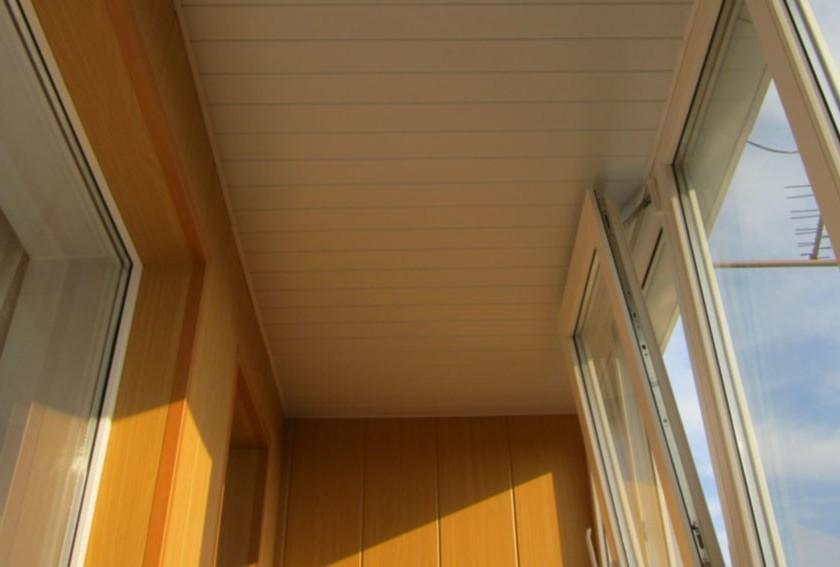 Пластиковые панели для потолка на лоджии своими руками.