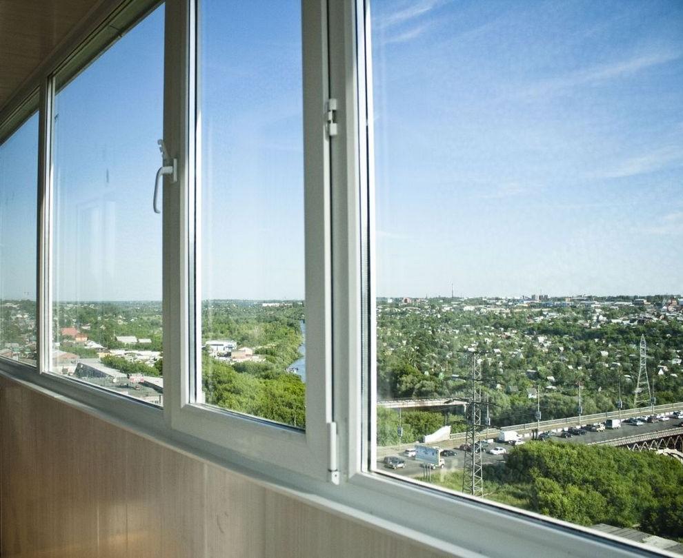 Чем затемнить окна на балконе своими руками 97