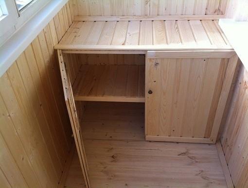 Сделать шкаф на балконе своими руками из дерева 28
